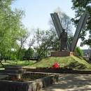 Памятник воинам-железнодорожникам на станции Горький-Сортировочный. Скульптор Ив