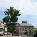 Вид на ул. Стрелка, здание Нижегородской ГИБДД и собор Александра Невского с пло