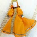 Барышня в желтом платье. Работа Вихаревой Н.О.