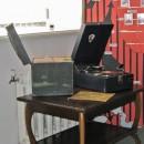 Старинный патефон в ''Музее песни XX века''